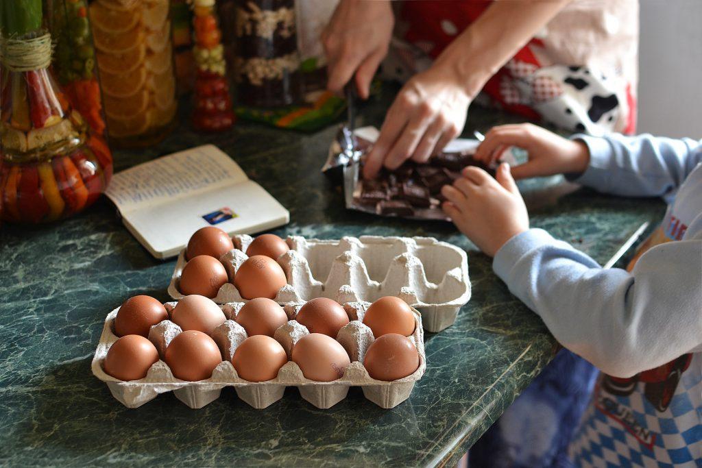 איך להתמודד עם ילדים סרבני אוכל