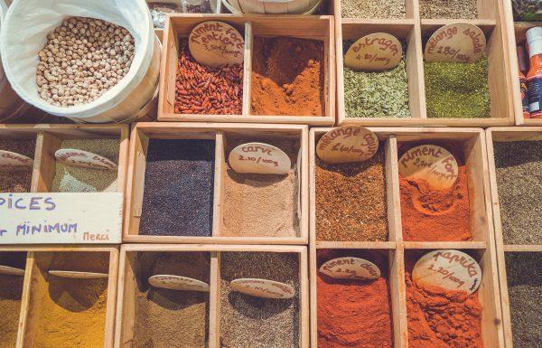 8 תבלינים בריאים שכדאי לשמור במטבח