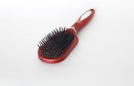 טיפול טבעי לנשירת שיער: איך מעודדים צמיחה מחודשת?